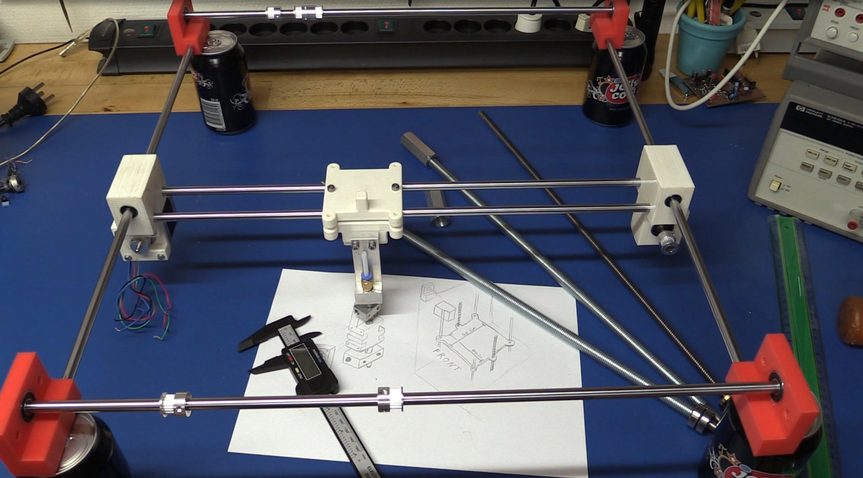 diy 3dprinter Một máy in 3D ( tự chế) đang trong quá trình lắp ráp